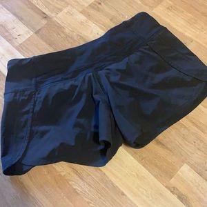 Lululemon speed up shorts sz 6 black